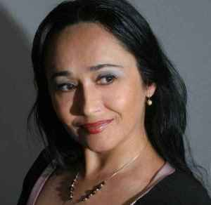 Angela Tocilă blogger közíró