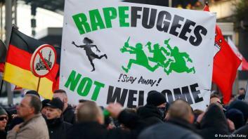 Köln, Németország, 2016. január 9. A PEGIDA tiltakozása a migráns erőszak és Európa iszlamizációja ellen